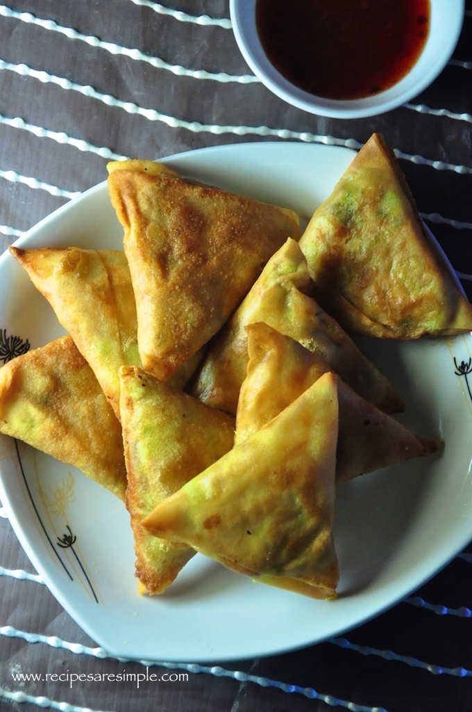 Tasty Vegetable Samosa – Potato and Peas Filling
