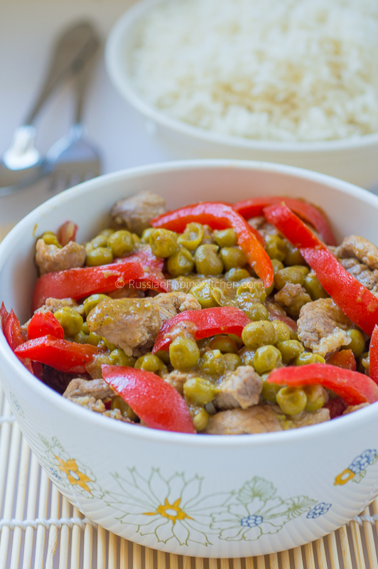 Pork Guisantes (Filipino-Style Pork With Green Peas)