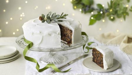 Mary Berry's classic Christmas cake