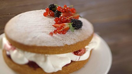 Victoria sponge with mixed berries