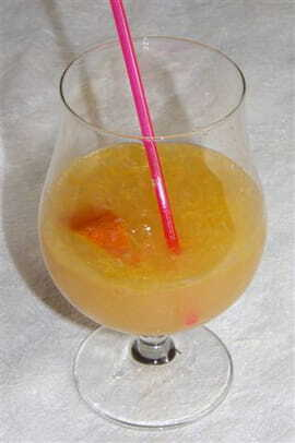 Golden rhum punch
