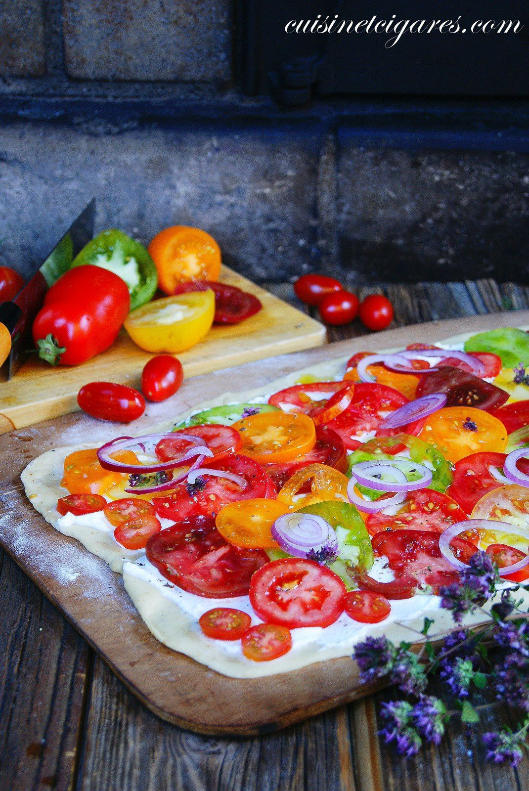 Pizza aux Tomates Heirloom