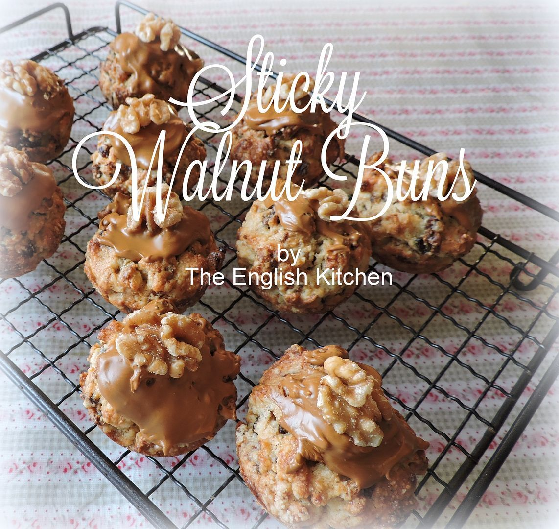 Sticky Walnut Buns