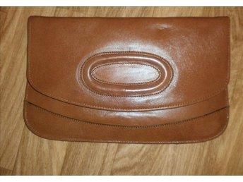 väska,kuvertväska i äkta läder,vintage,80-tal