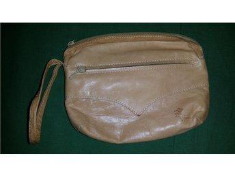 väska skinn  samearbete  retro