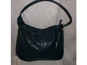 väska,marinblå väska i konstläder