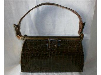 väska,handväska i äkta läder,krokodilmönstrad (EJ ÄKTA KROKO),vintage,50-tal