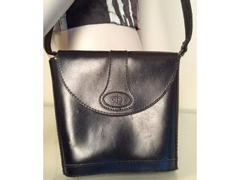Svart sadelväska skinnväska väska skinn axelremsväska retro handväska vintage