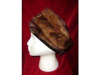 Pälsmössa, hatt i äkta päls och sammet,vintage, 60 tal