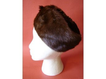 Pälshatt, hatt i päls och sammet, vintage 50-tal pinuppa, rockabilly