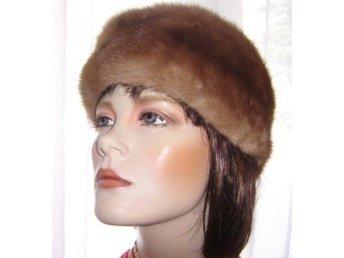 Pälsmössa, hatt av äkta päls, ljus minkmössa,vintage, stor-59cm, oanvänd