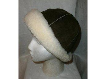 Pälsmössa, brun läder-mocka med fårpäls,vintage, lajv,medeltid