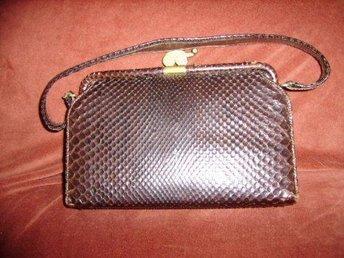 väska, gammal handväska i läder,vintage 30-tal, ormmönstrad
