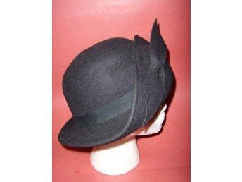 hatt,svart hatt i filt,Italy