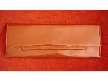 väska,vintage,60-tal,ljusbrun lackväska, kuvert