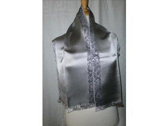 halsduk i siden, silke, med mönstrd kant,vintage,50-tal
