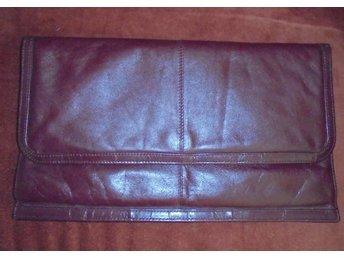väska, oxblodfärgad kuvertväska i läder, vintage, 70-tal