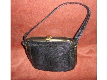 väska,svart reptilmönstrad läderväska,vintage, 20-30 tal (EJ ÄKTA)