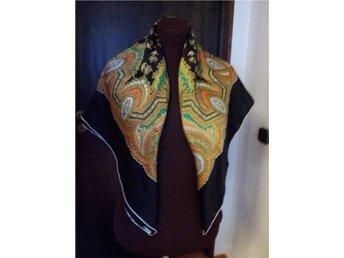 sjal siden svart mönstrad Folkdräkt  Vintage
