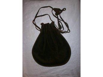 väska i äkta läder, mocka, lajv, medeltid