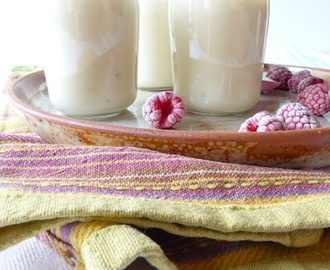 recettes de yaourt caramel maison mytaste. Black Bedroom Furniture Sets. Home Design Ideas