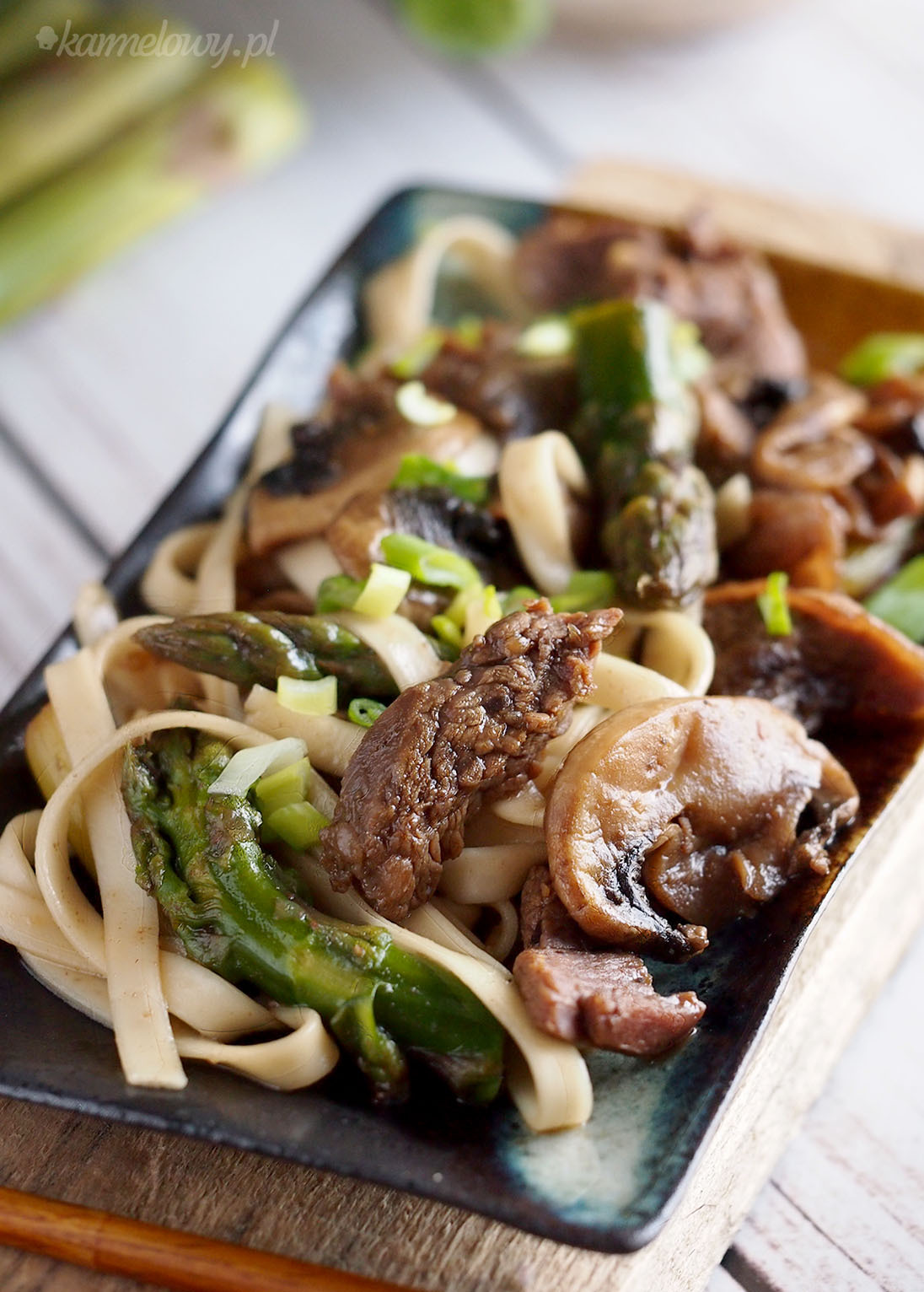 Łatwy stek teriyaki z grzybami i szparagami / Easy teriyaki steak with mushrooms and asparagus