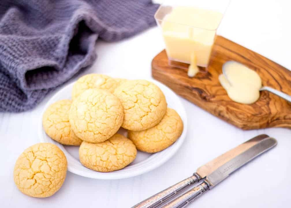 Custard & White Chocolate Cookies