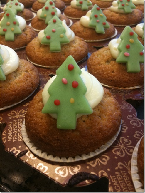 Christmas tree decorated gingerbread cupcakes