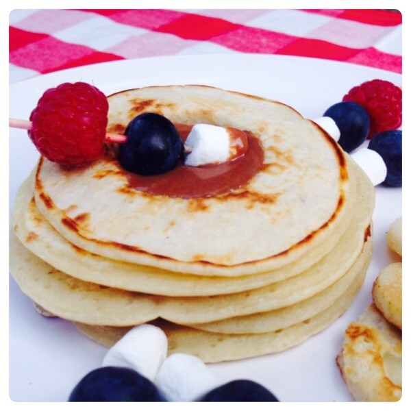 Recipe: American Style Banana Pancake Stack filled with Warm Chocolate Dipping Sauce