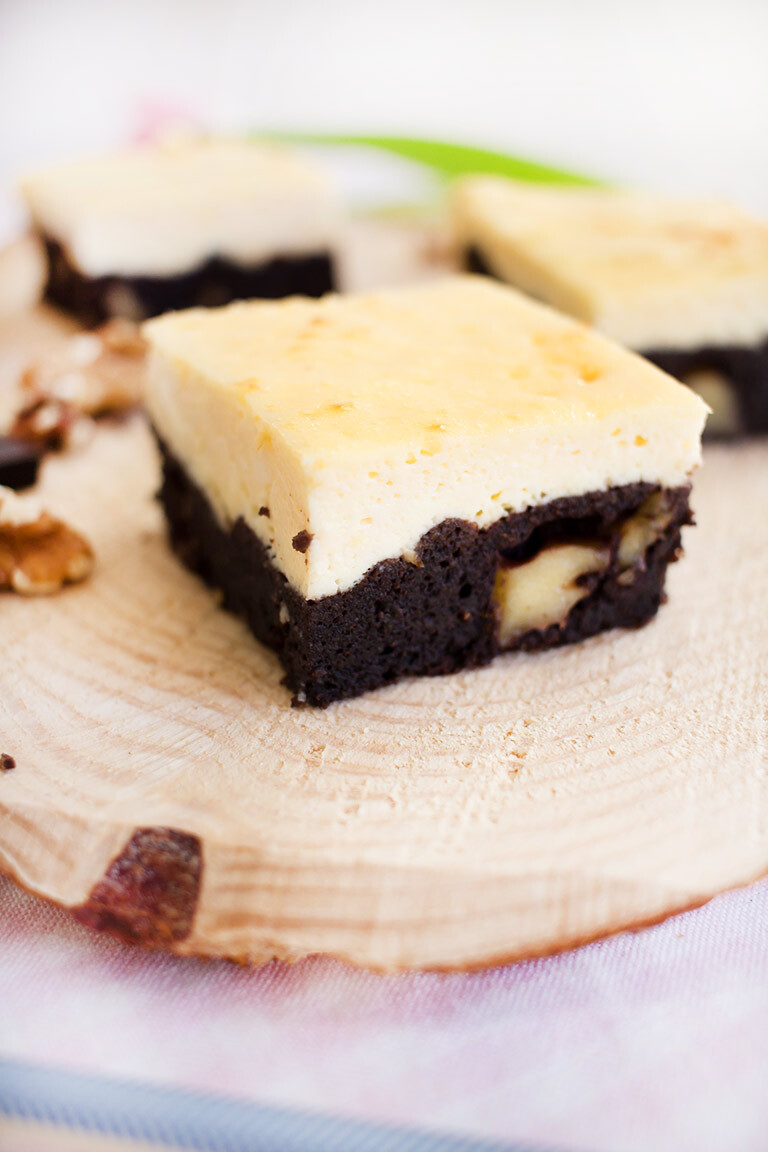 Low Carb Käsekuchen Brownies (Rezeptvideo)