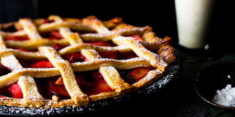 Rhubarb and apple pie