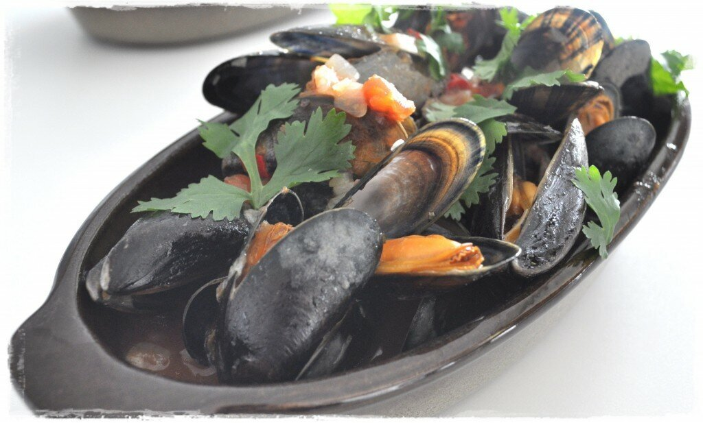 Sicilian Mussels with Citrus Tomatoes & Chili