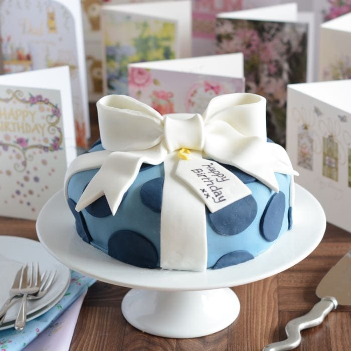 Birthday Present Cake Decorating Tutorial