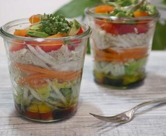 salat im glas rezepte mytaste. Black Bedroom Furniture Sets. Home Design Ideas