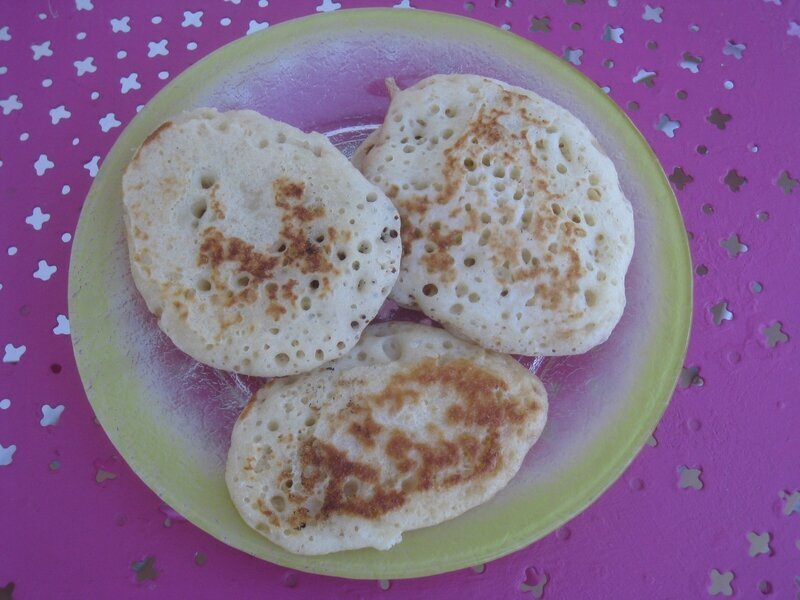 CRUMPETS (PÂTISSERIE ANGLAISE)