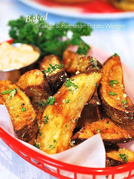 烹。烤箱版蒜味起司薯角 Baked Garlic & Parmesan Potato Wedges