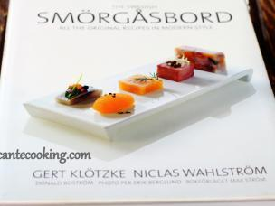 "Książka kucharska ""The Swedish Smörgåsbord"""