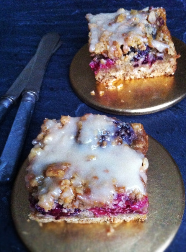 Ginger Berry Nutty Crisp