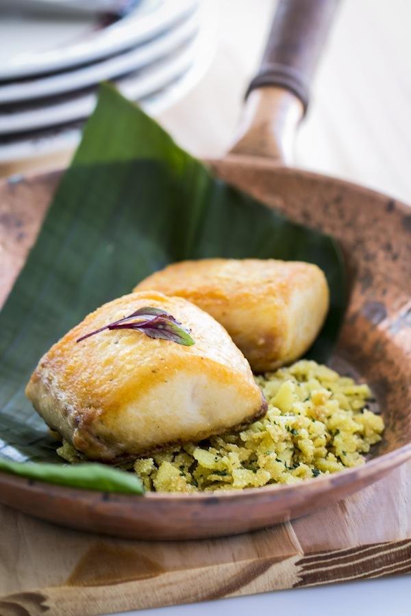Resultado de imagem para farofa de tapioca com peixe grelhado