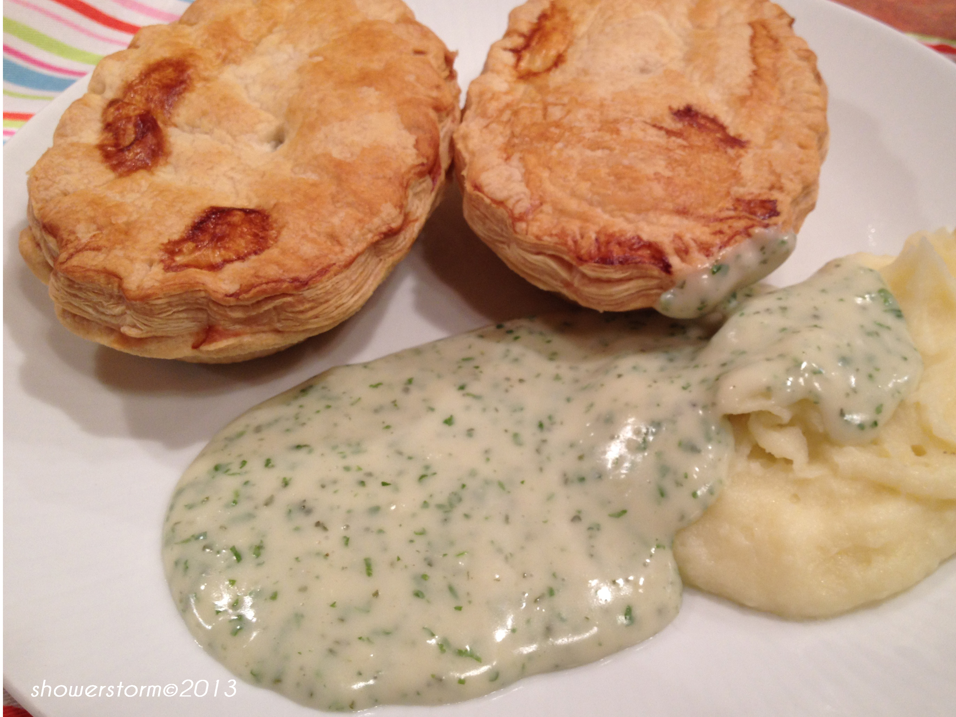 traditional pie and mash liquor