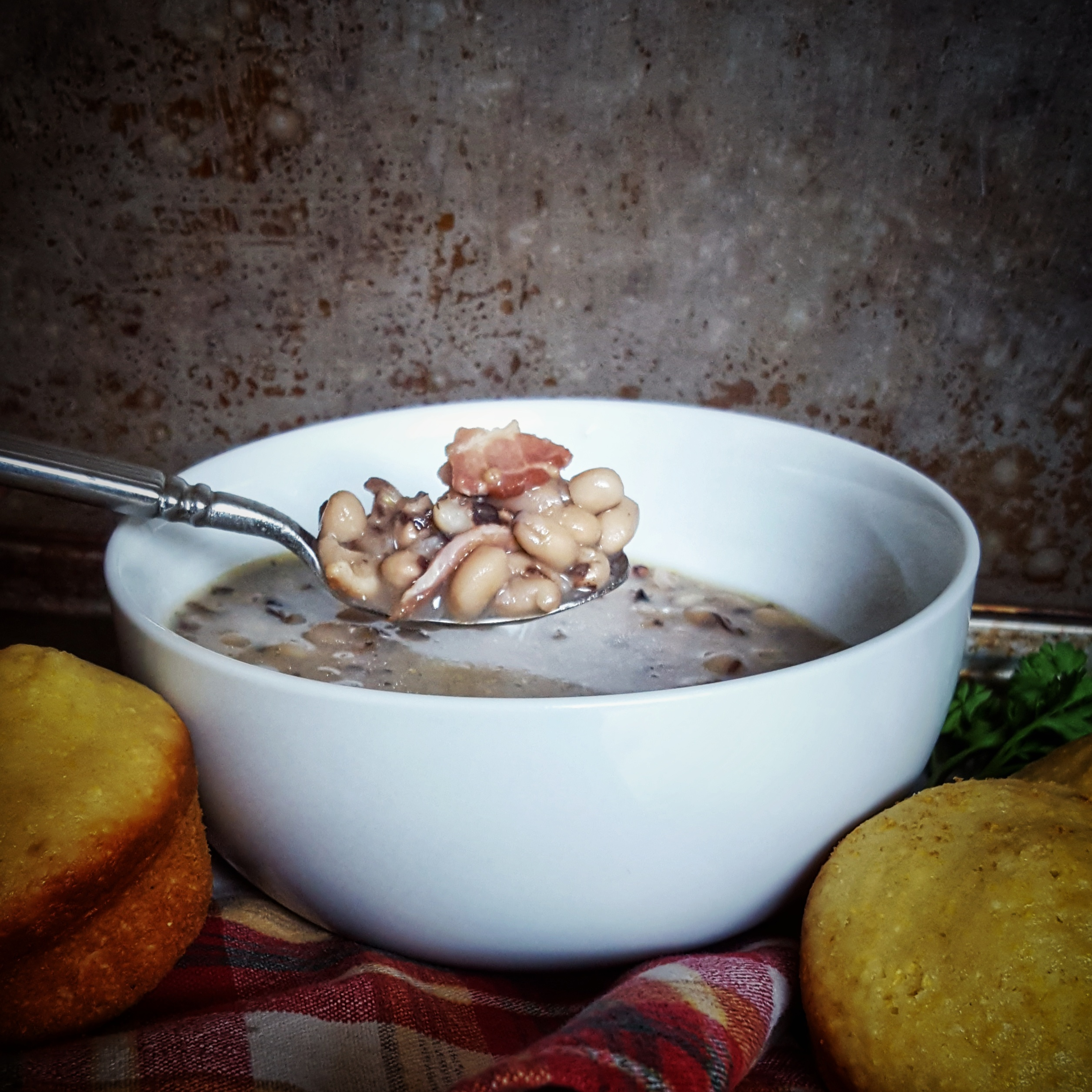 Pressure Cooked Black-Eyed Peas: Southern US New Years Good Luck Food