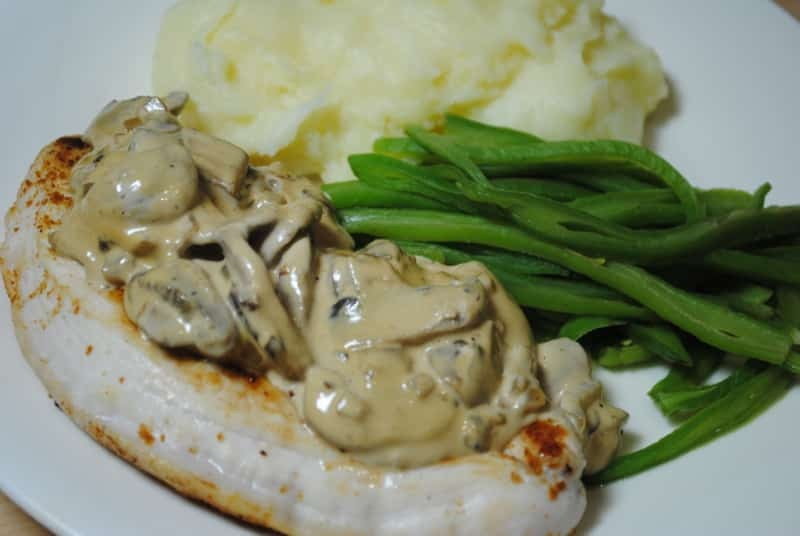 Creamy mushroom chicken with mash and green beans
