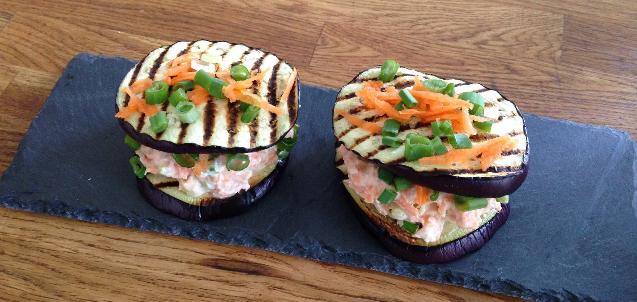 Aubergineburger med ørred-mousse