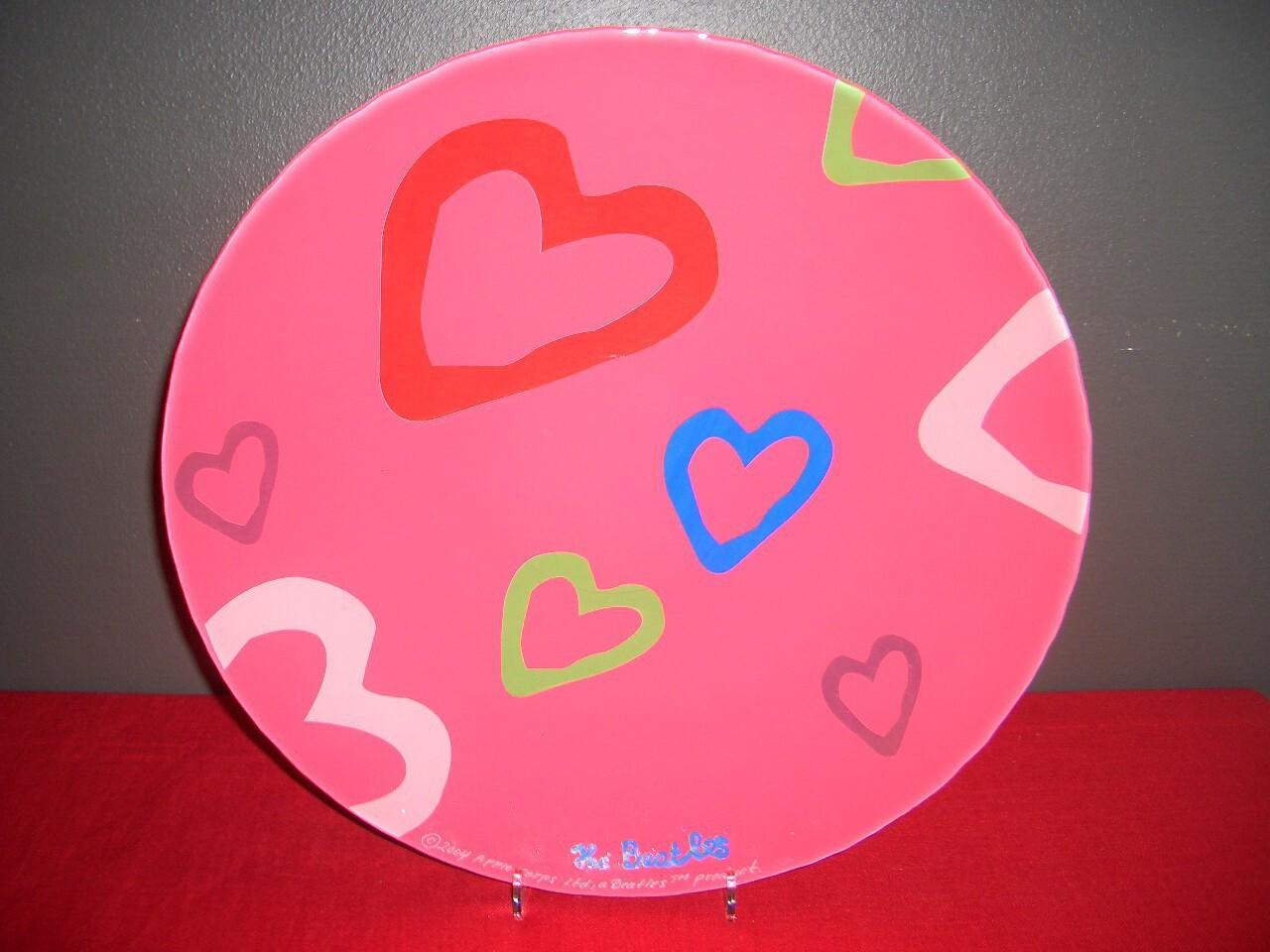 Beatles Fat (Love plate Red) Nybro glasbruk Prod-år 2004