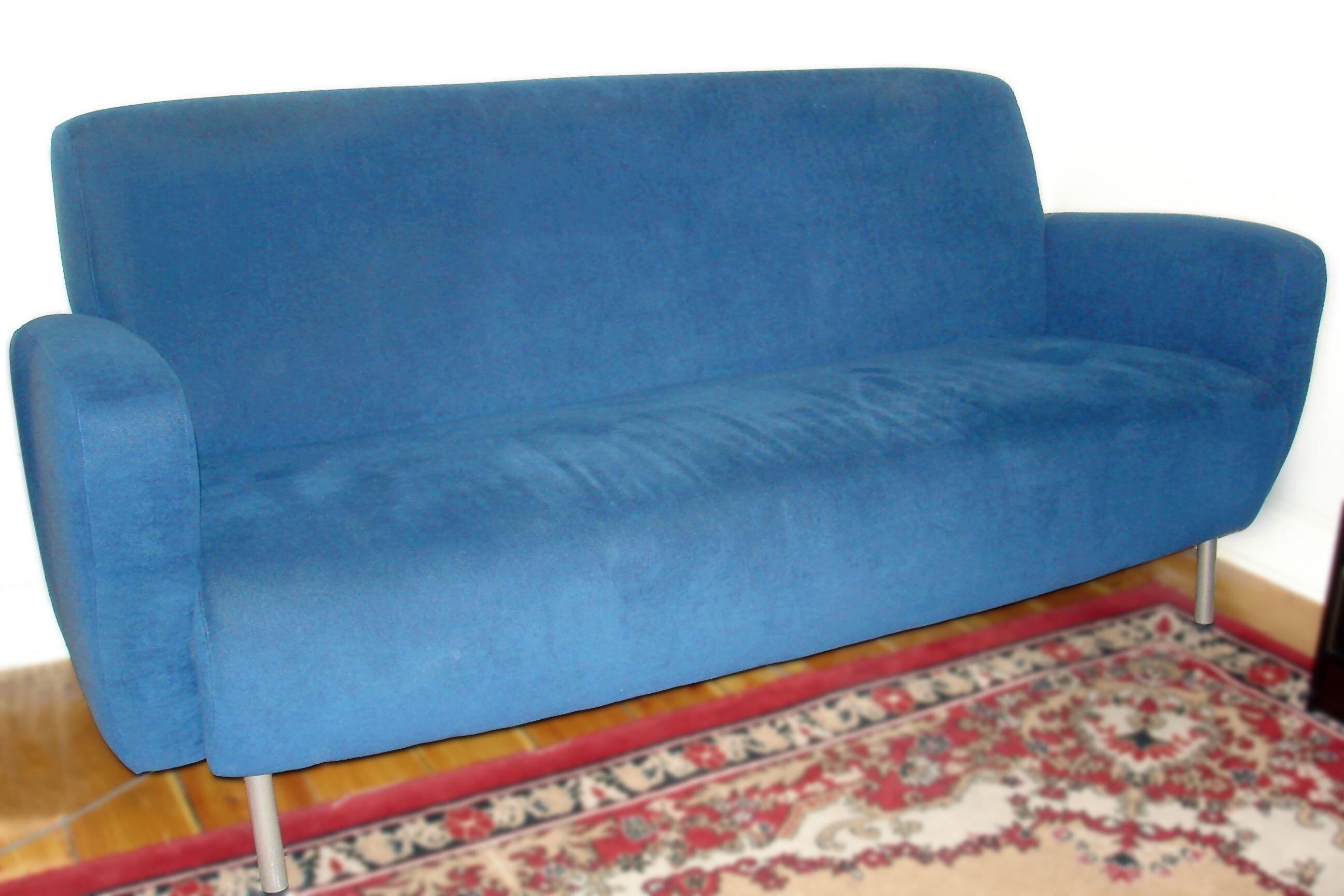 Nätt kornblå soffa från Asko