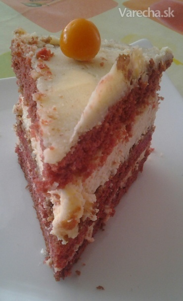 Red velvet cheesecake (fotorecept)