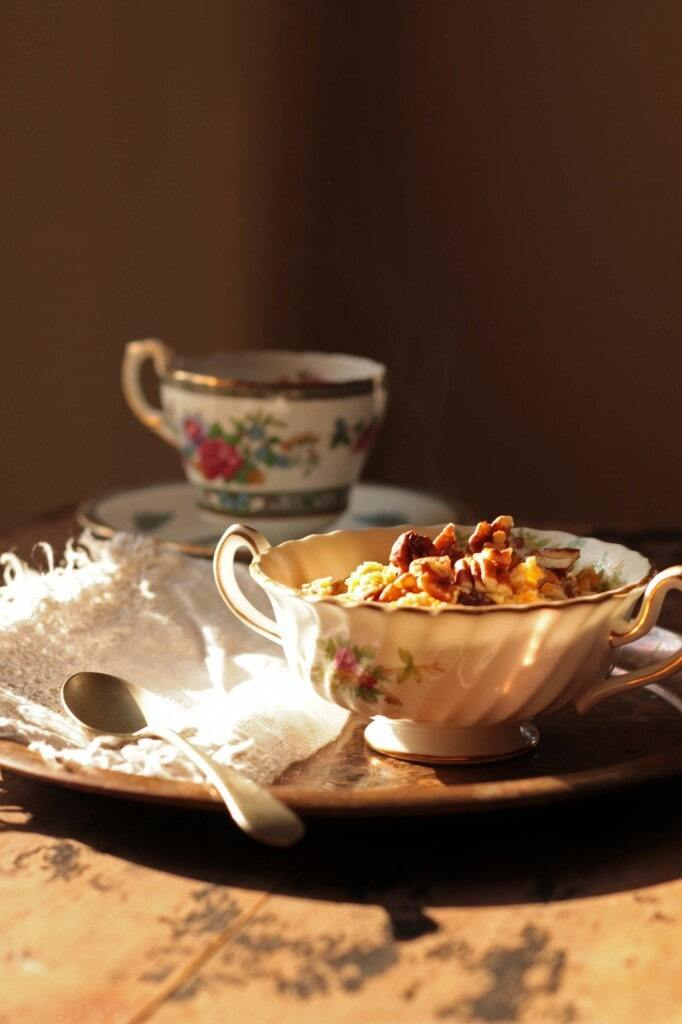 Carrot Cake Oatmeal with Pecans (+ Multicooker Review)