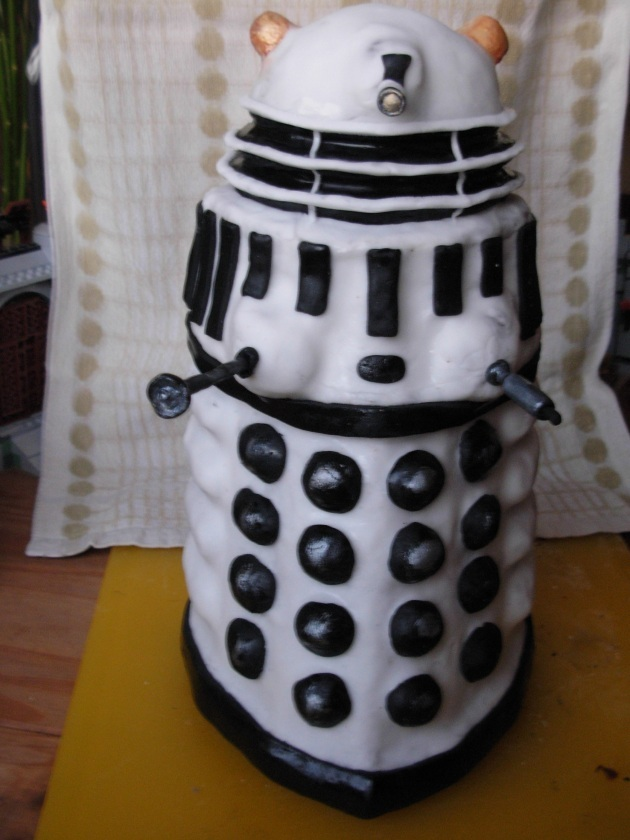 Doctor Who – homemade Dalek cake