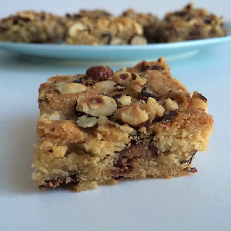 Hazelnoten blondies met pure chocolade