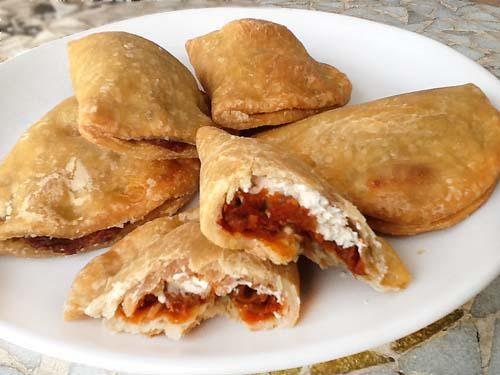 Empanadillas de sobrasada y queso